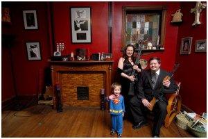 Fotografía extraída del lobro 'Armed America. Portraits   of    Gun   Owners   in  Their   Homes', de Kyile Cassidy (2007)