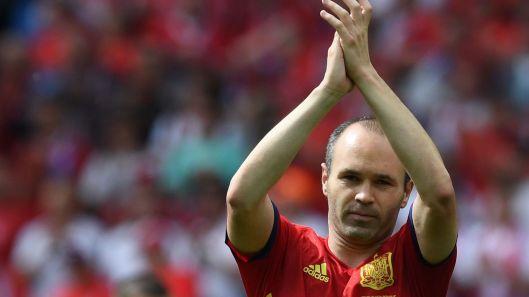Andres-Iniesta-victoria-Republica-Checa_132251408_6745497_1706x960